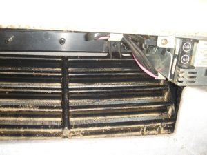 エアコン内部のホコリ