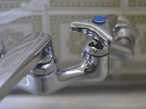 水栓汚れ磨き